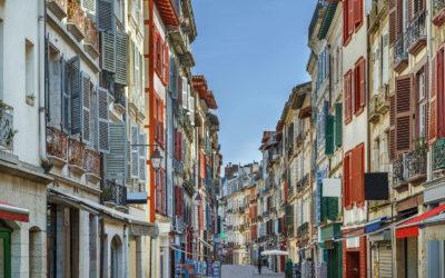 Investir dans l'immobilier au pays basque, mais dans quel secteur selon votre budget ?